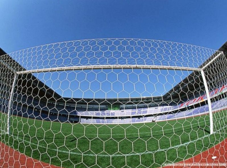 Kyпить сетка для футбольных ворот шестигранная